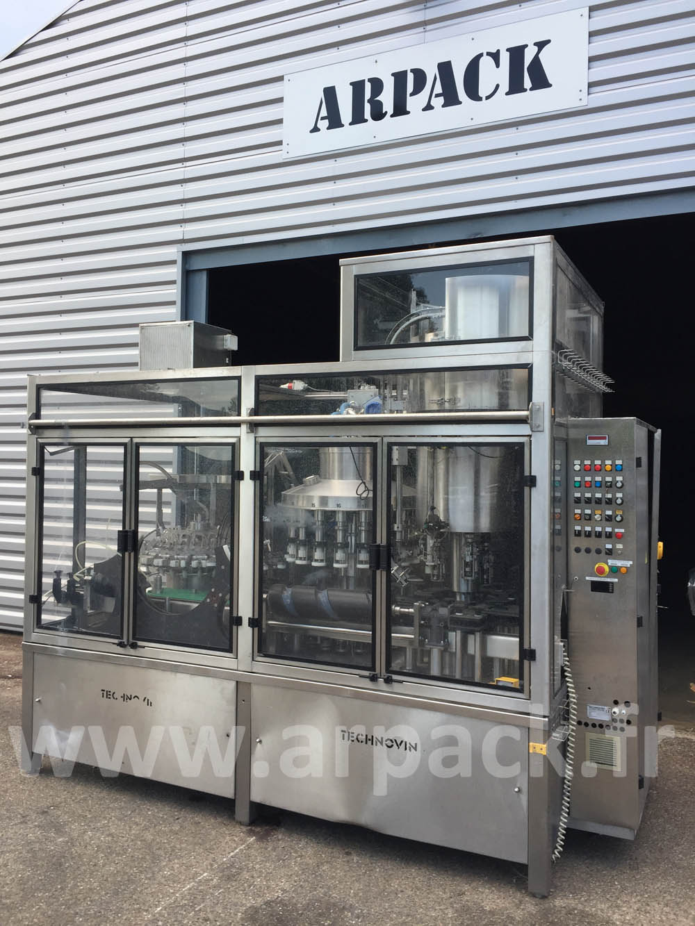 Quarter bottle bottling line 'aviation'