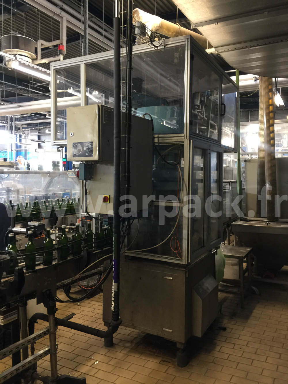 Pastis bottling line 8000 bottles / hour