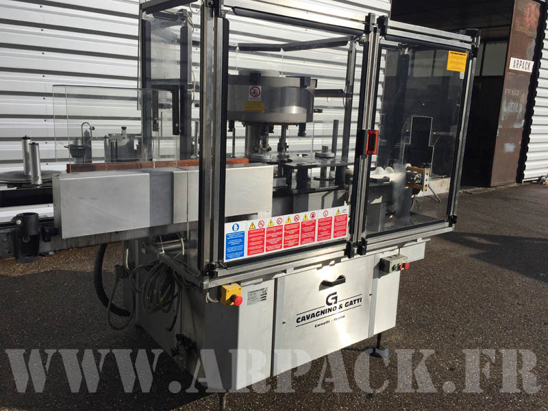 Used adhesive labelling machine Cavagnino & Gatti